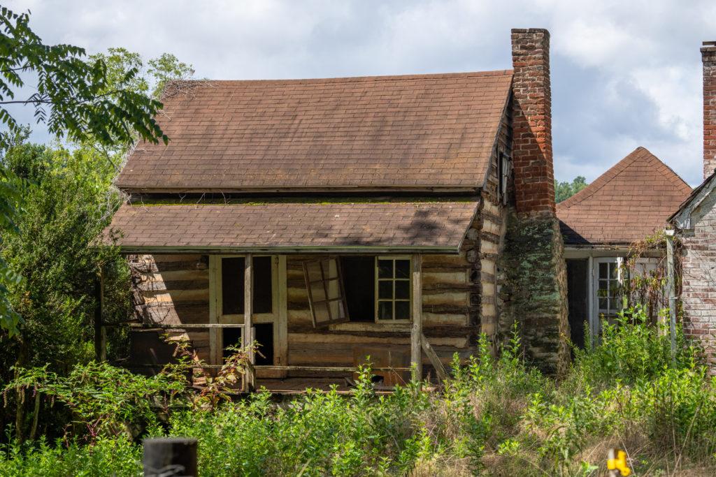 A little cabin farm house.